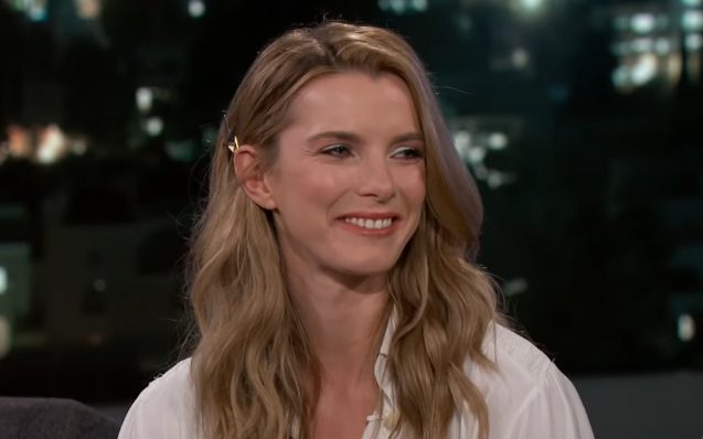 Betty Gilpin The Good Wife photo 12