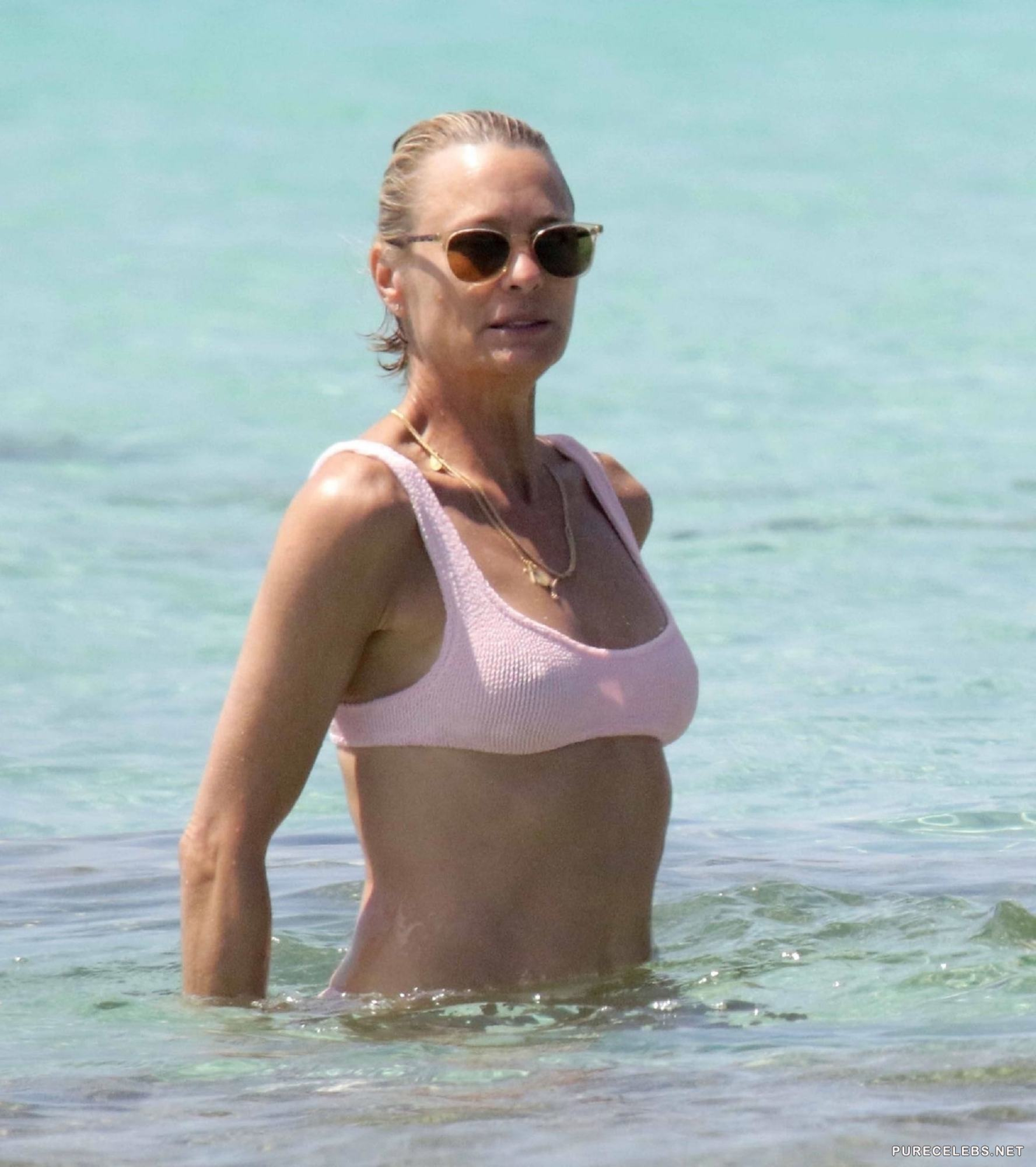Nude Pictures Of Robin Wright photo 1