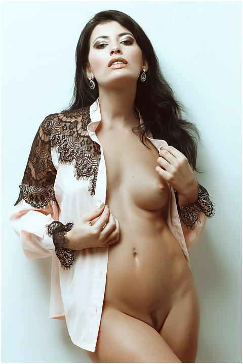 Naked And Sexy Pics photo 9