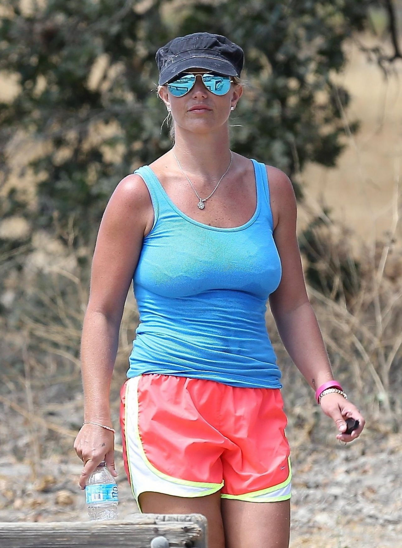Brittany Spears Candid Photos photo 14