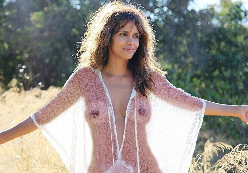 Halle Berry Naked In Movie photo 19
