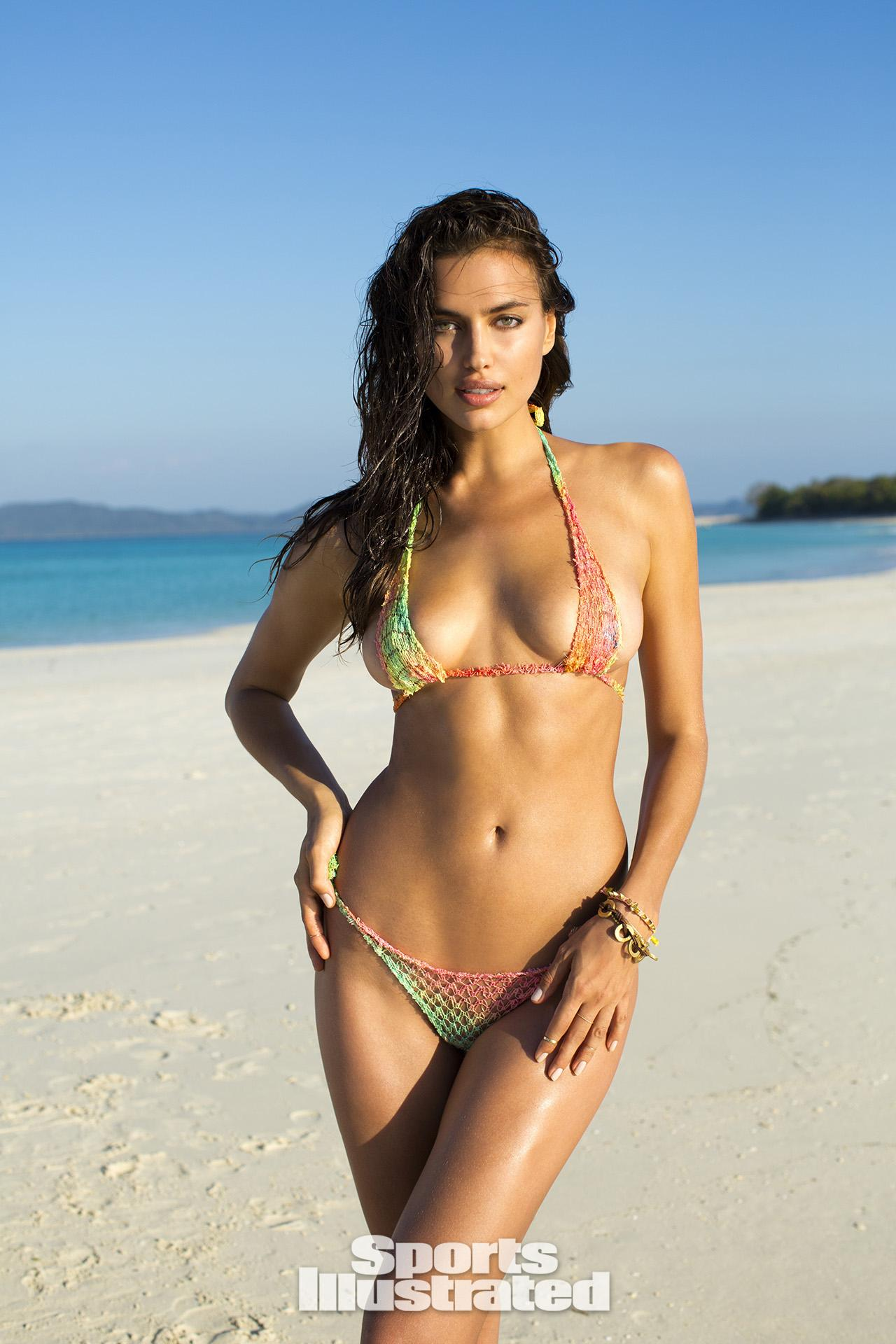 Swimsuit Models Topless photo 30