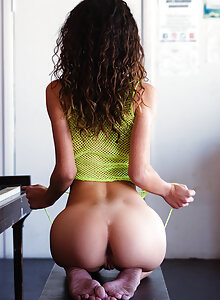 Best Nude Ass Pic photo 30