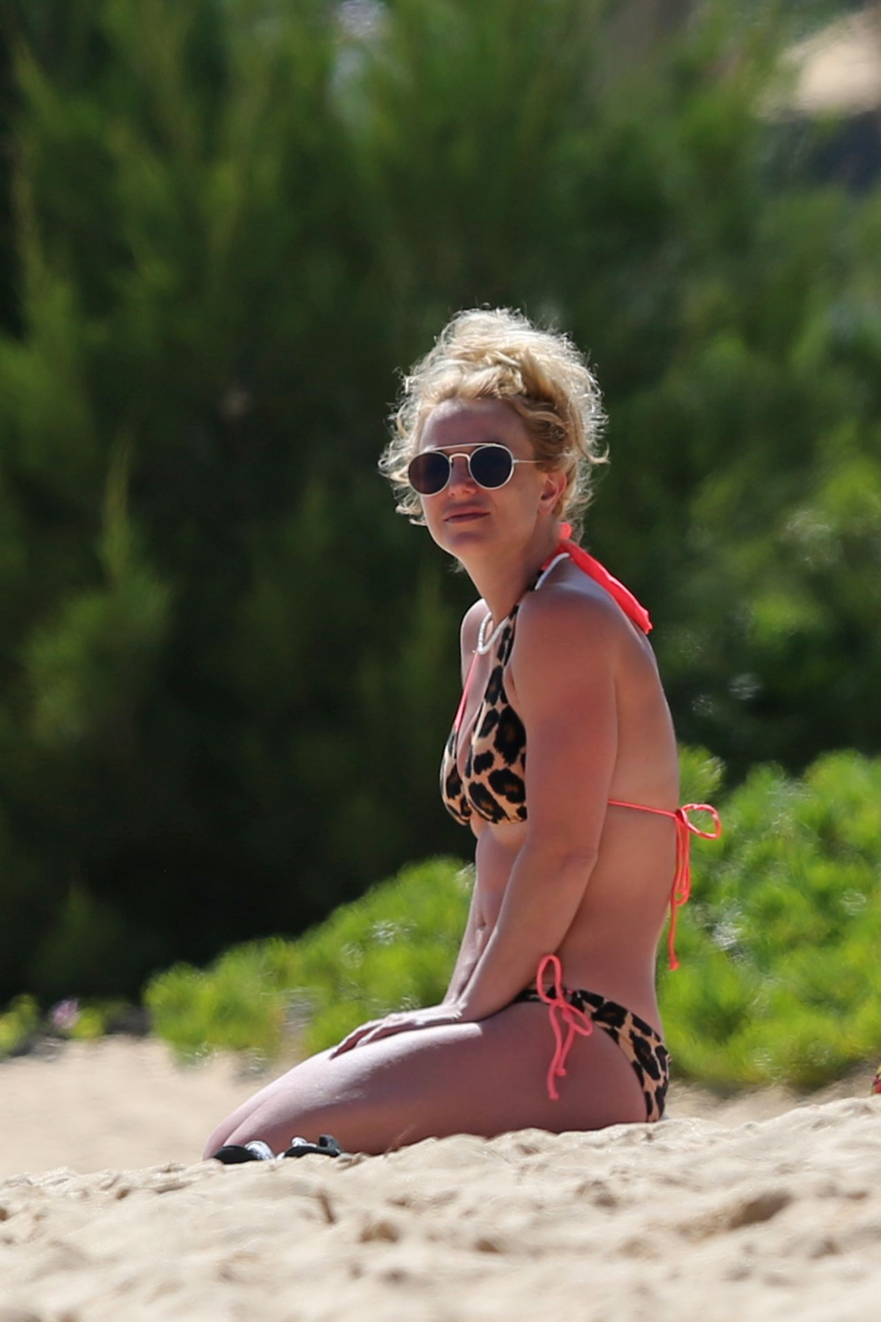 Brittany Spears Candid Photos photo 18