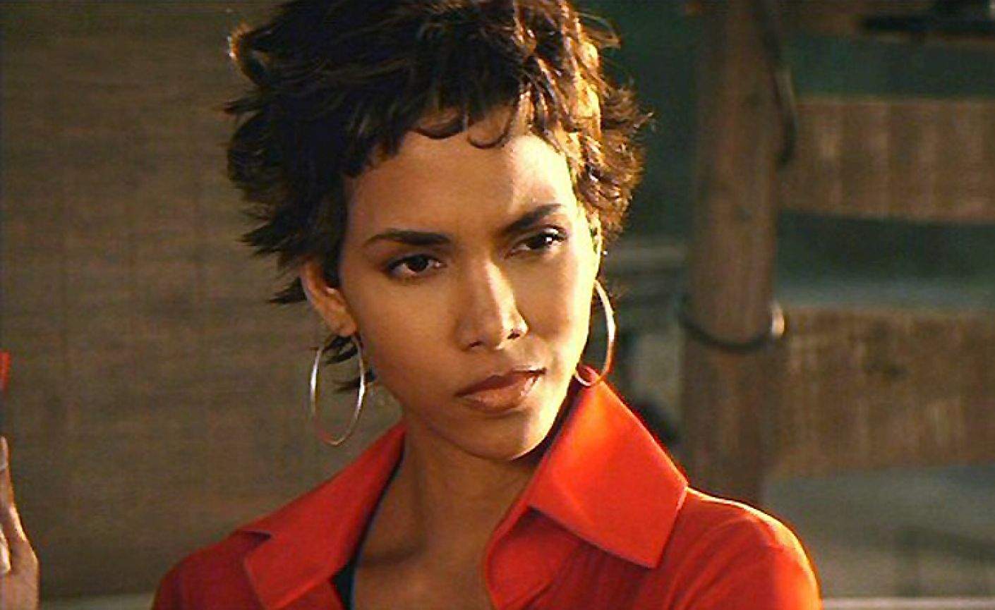 Halle Berry Naked In Movie photo 4